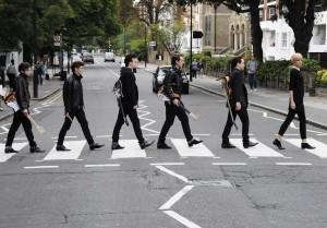 Cast of BACKBEAT Abbey Rd Zebra Crossing Sept 2011