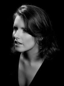 Actress Naomi O'Connell