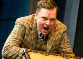 Rufus Hound in One Man Two Guvnors