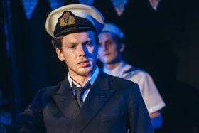 Apocalypse Cruise Ship Love Affair (c) David Monteith Hodge, Photographise