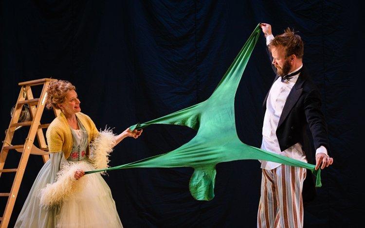 Mrs Darling (Anna Francolini) and Mr Darling (Felix Hayes), PETER PAN (c) Steve Tanner