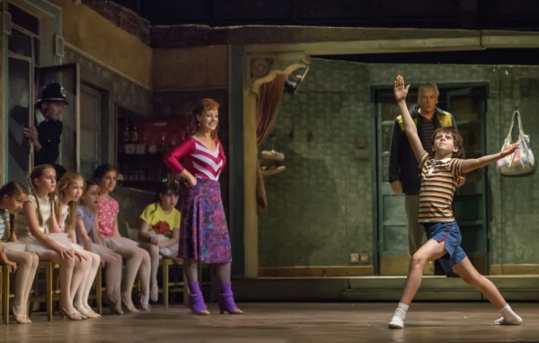 9. l-r Ruthie Henshall (Mrs Wilkinson), Deka Walsmley (Dad), Elliot Hanna (Billy) Billy Elliot The Musical Live, photo by Adam Sorenson