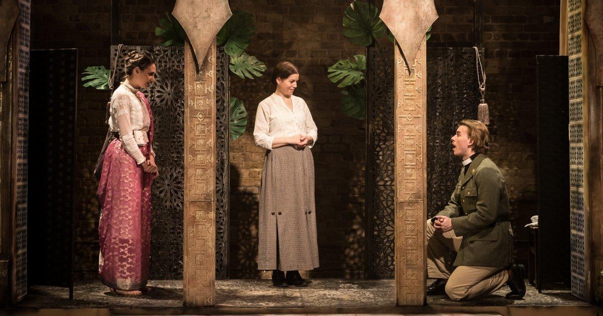 Carlotta De Gregori (Desdemona), Claire Lloyd (Emilia), Jerome Dowling (Cassio).
