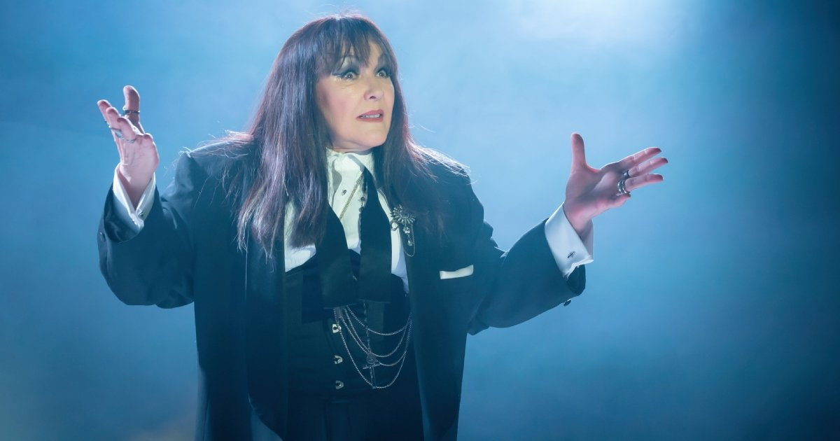 Frances Barber as Billie Trix in MUSIK