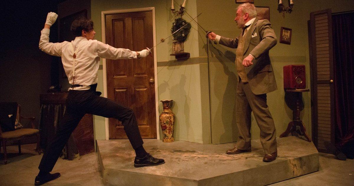 TOM YORK as EVELYN FARRANT and PAUL KEMP as MAJOR POWELL 8. CORPSE! Park Theatre. Credit - Anna Urik.