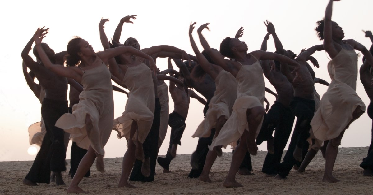 Dancing at Dusk - A Moment with Pina Bausch's The Rite of Spring Florian Heinzen-Ziob